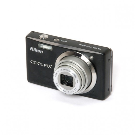 Nikon Coolpix S560 Main