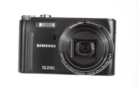 Samsung WB550 review product shot