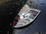 Olympus FE-5020 sample image - Porsche close-up