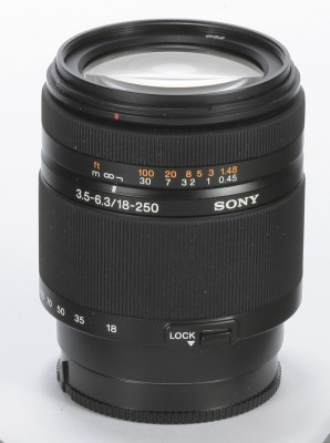 Sony DT 18-250mm lens