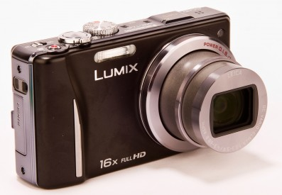 Panasonic TZ20 front angled