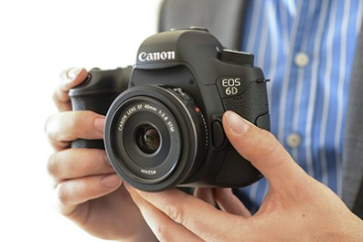 Canon EOS 6D First Look Hands On 